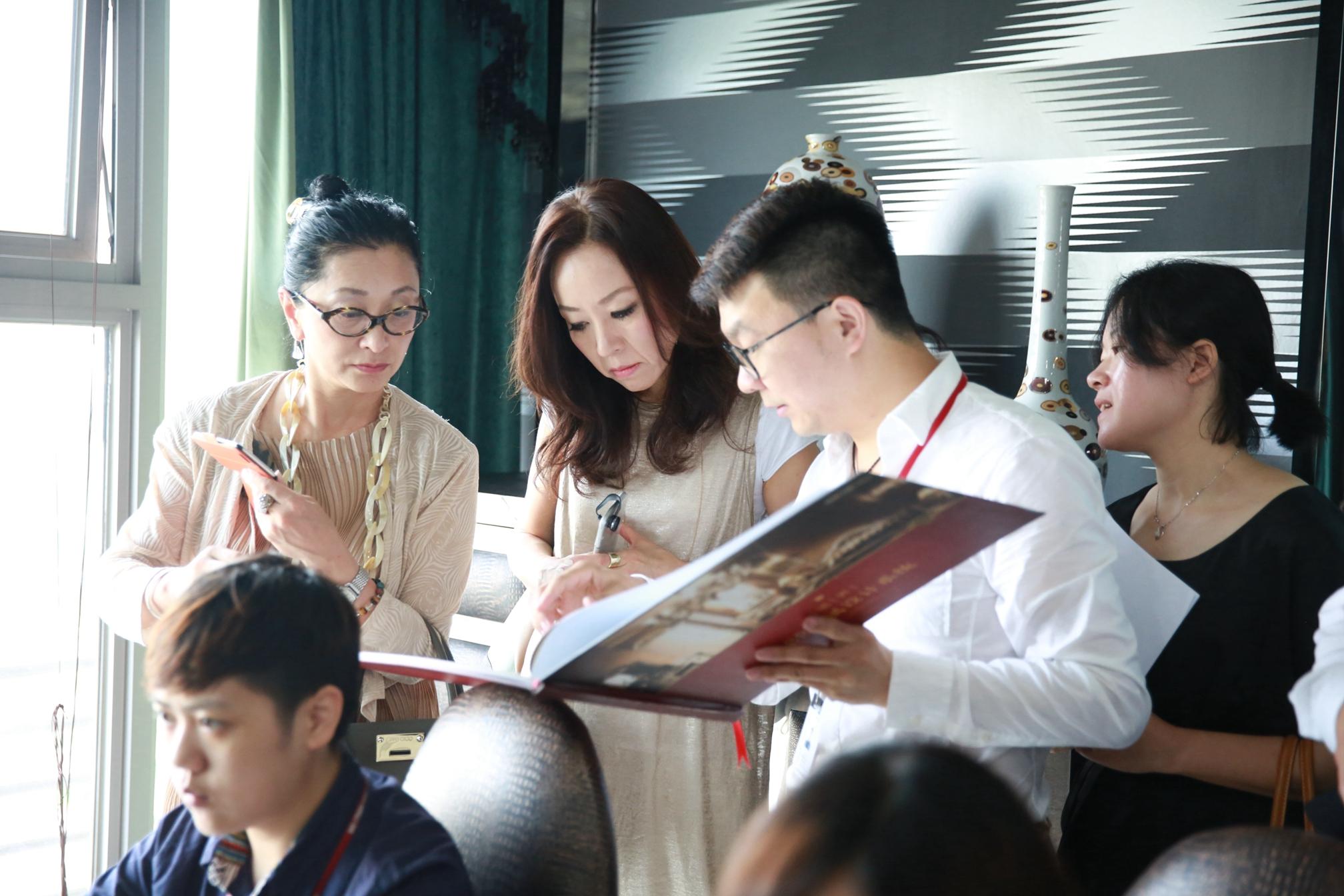 7、日本设计师参观兄弟创意设计研究院 (1).JPG